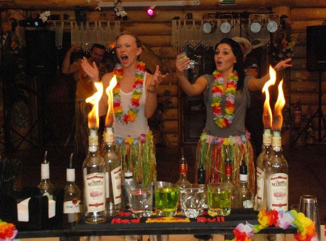 Гавайская вечеринка в сауне