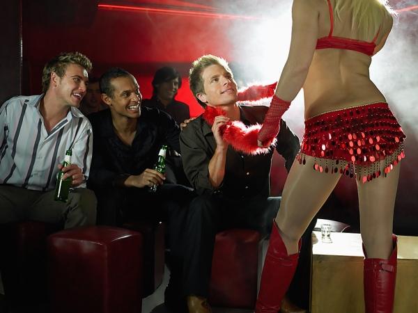 striptizer-dlya-nevesti